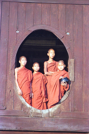 Shwe Naunghwe Monastery (near Heho)
