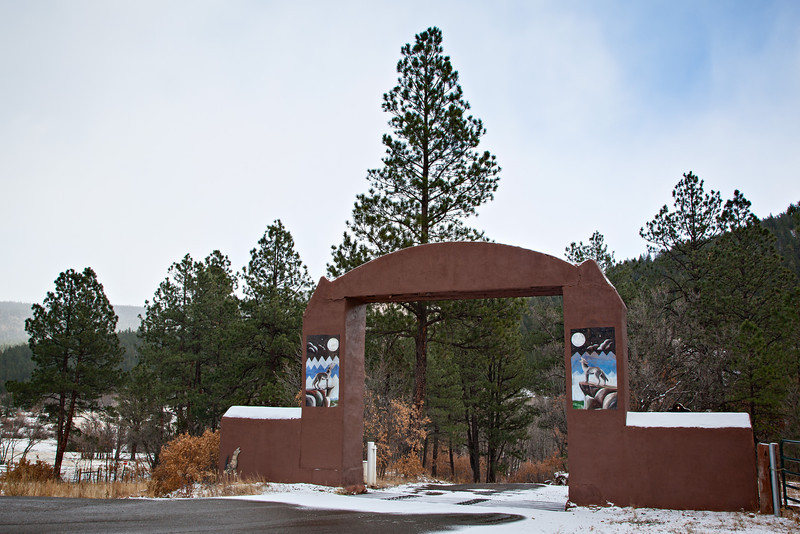 The entrance to Coyote Creek State Park, New Mexico, USA.