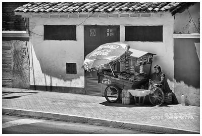 Pisac Street Vendor