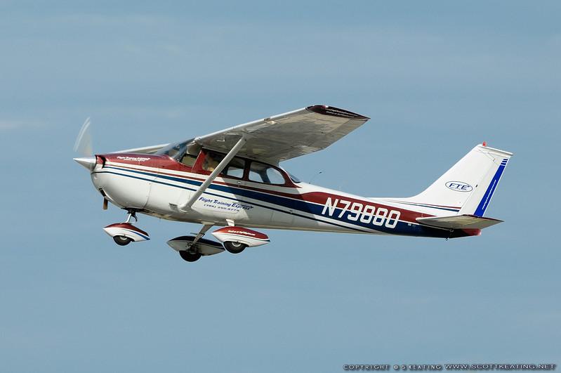 1969 Cessna 172K (Flight Training Express)