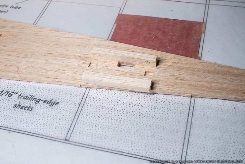 Fin alignment blocks