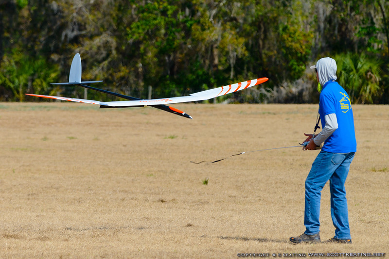 Jody Miller catching his Xplorer - FSS (Florida Soaring Society) contest #1 2018, hosted by the Orlando Buzzards in Christmas, Florida