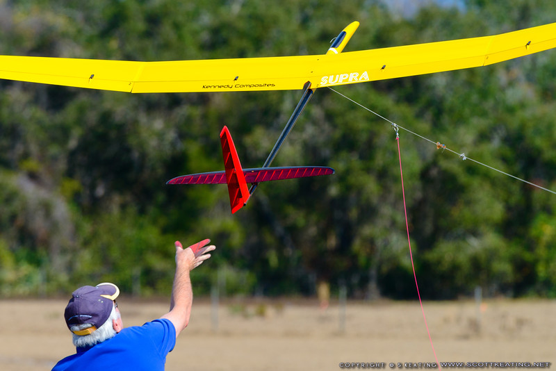 Rick Eckel launching a Supra (Kennedy Composites) - FSS (Florida Soaring Society) contest #1 2018, hosted by the Orlando Buzzards in Christmas, Florida