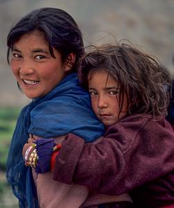 Mother & daughter (Stock, Ladakh, India)