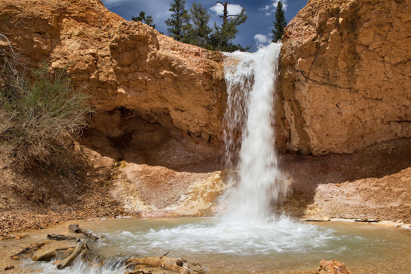 It's amazing what a little hiking and some curiosity will uncover if you dare to adventure. We found this small waterfall in Utah, while driving to Page Arizona