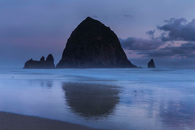 Last light, Haystack Rock, Cannon Beach, Oregon