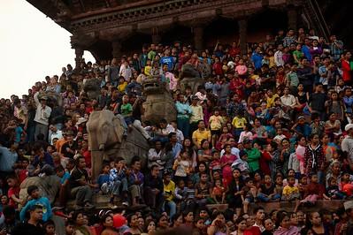 First day of Bisket Jatra: crowd on Nyatapola temple