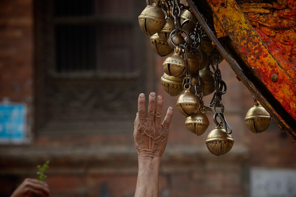 Playing Beta Sin's bells is also a way to pay homage and receive a blessing.... it is also children favorite part of the chariot.