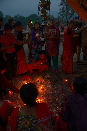 Women worshiping under Bhairab chariot