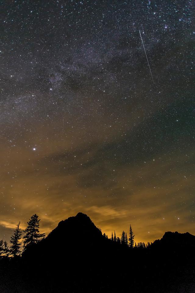 Meteor over Yakima Peak, Mt Rainier NP, Washington