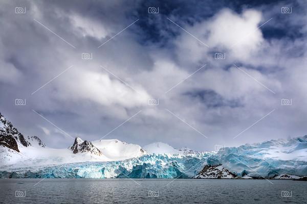 Smeerenburg glacier Svalbard