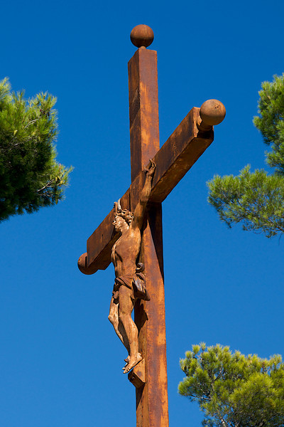 """Calvary on the summit of Bonnieux, above the """"vieille église"""""""
