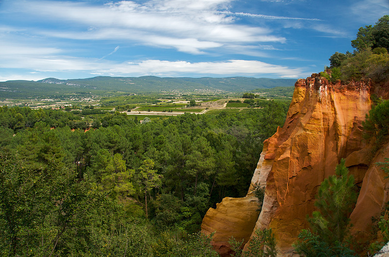 Ochre cliff near Roussillon