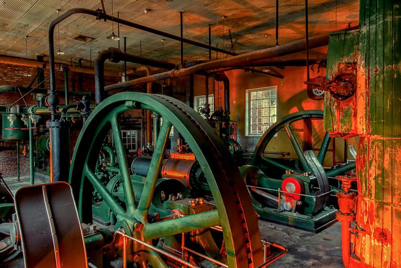 WBb2108 Victorian Machinery, Singular Patagonia (Puerto Bories Hotel), Puerto Natales, Last Hope Sound, Chile