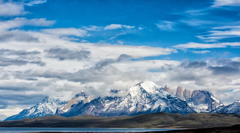 WAb2100 Lake Sarmiento & Paine Massif, Torres del Paine NP, Chile