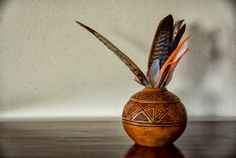 WBb1980 Pottery & Feathers, Eolo Lodge, La Anita Valley, El Calafate, Argentina