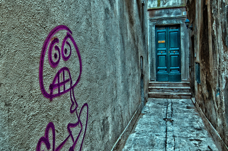 WBb1477 - Doorway Graffiti, Cortona, Italy