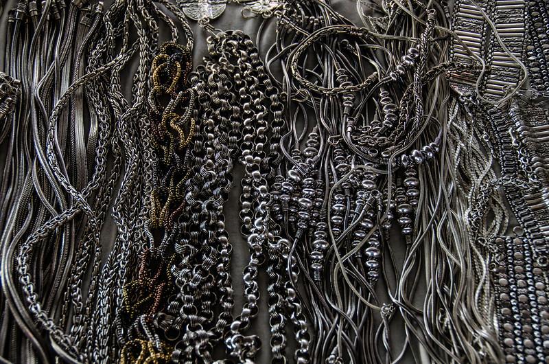 WBb204 - Street Vendor, Bracelets & Necklaces, Florence, Italy
