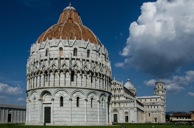 WBb1645 - Battistero, Pisa, Italy