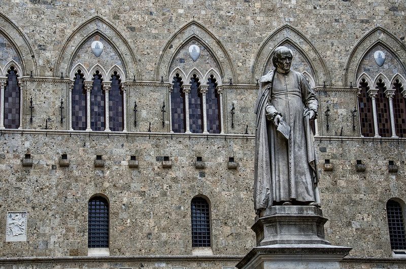 WBb997 - Statue of Sallustio Bandini, Siena, Italy