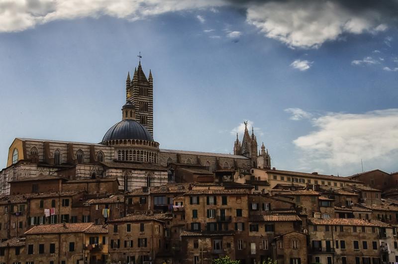 WBb622 - Midieval Houses, Siena, Italy