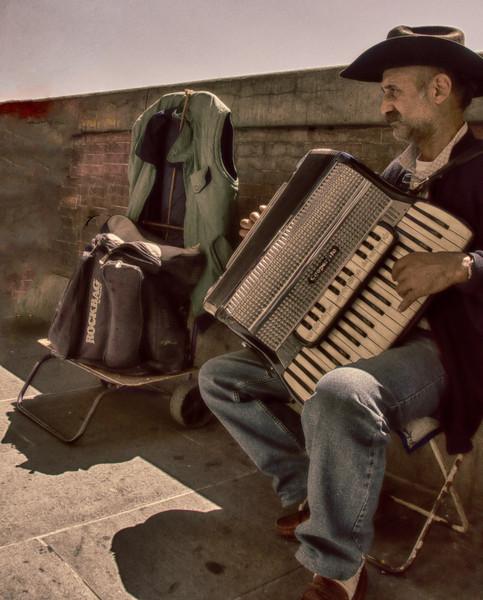 PB99 - Street Performer, Florence, Italy