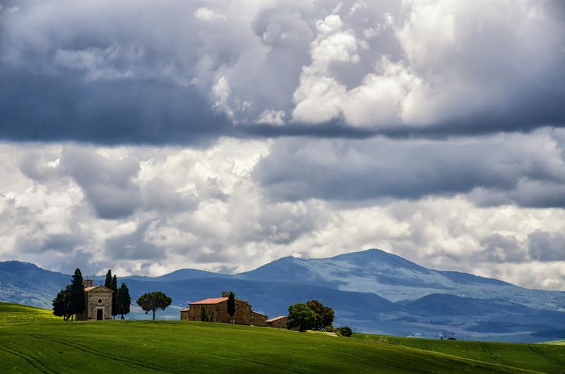 WBb1310 - Hillside Chapel, Pienza, Italy