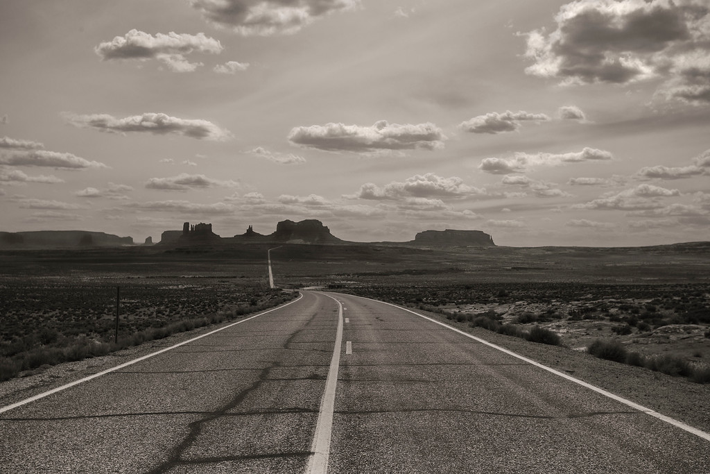 Approach to Monument Valley from the North, Utah