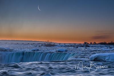 Pre-dawn Niagara Falls