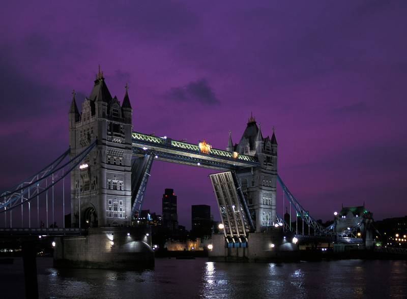 WBb13  Tower Bridge at Night, England