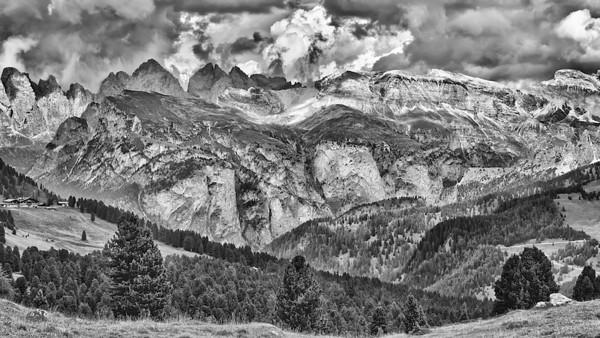 Grödnerjoch - Dolomiten, Südtirol, Italien  Gardena Pass - Dolomites, South Tyrol, Italy - mehr dazu im Blog: Dolomiten in Schwarzweiß