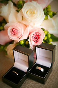 Wedding rings and Wedding Bouquet