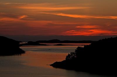 Sonnenuntergang bei Lysøysund, Norwegen