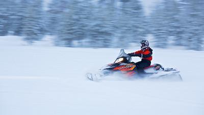 Schneemobil -  Arvidsjaur, Lappland Schweden  Snowmobile -  Arvidsjaur, Lapland, Sweden - mehr dazu im Blog: Winter in Lappland