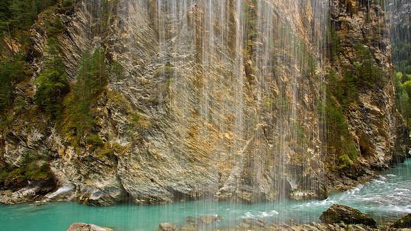Hinter dem Wasserferfall - Inn, Altfinstermünz, Österreich/Schweiz Behind the waterfall - Inn, Altfinstermünz, Austria/Switzerland
