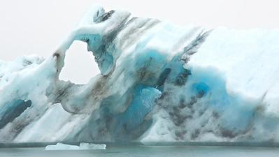 Eisberg in der Gletscherlagune Jökulsárlón - Island Iceberg in Glacier Lagoon Jökulsárlón - Iceland   - mehr dazu im Blog: Island - 10 Tage, 10 Bilder