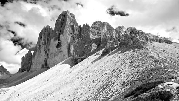 Drei Zinnen - Dolomiten, Südtirol, Italien  Tre Cime di Lavaredo - Dolomites, South Tyrol, Italy - mehr dazu im Blog: Dolomiten in Schwarzweiß