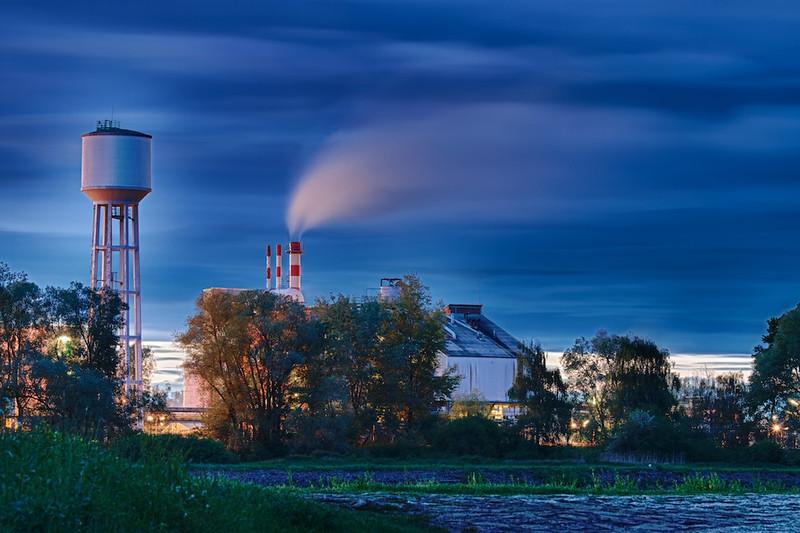 """Industrie am Rhein - Rheinauen, mittlerer Oberrhein, Elsass, Frankreich<br /> Industrie at the Rhine - middle Upper Rhine, Alsace, France<br /> - mehr dazu im Blog: <a href=""""http://arnohelfer.wordpress.com/2012/05/16/gewitterhimmel/"""">Gewitterhimmel</a>"""