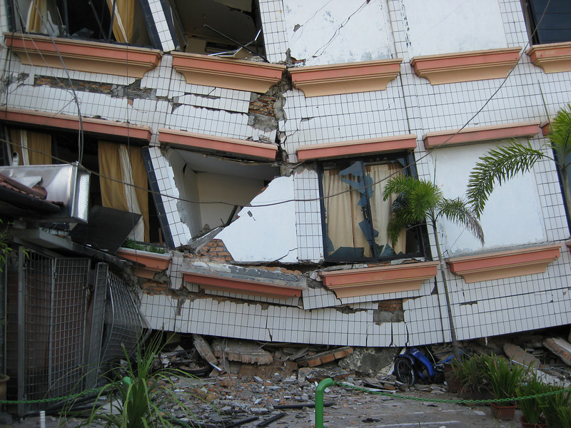 Damage caused by the earthquake, Oct 2009 in Padang, Indonesia. Credit: New Zealand Ministry of Foreign Affairs and Trade