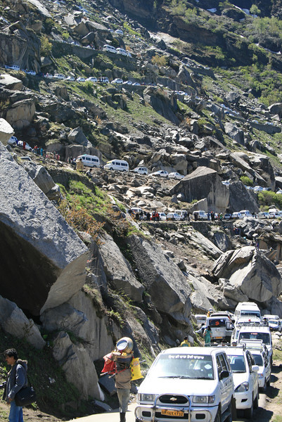 Traffic jams are a common phenomenon at Rohtang Pass in the Himalayan ranges.  The pass is a popular tourist destination as well as linking Manali with Lahual valley and Spiti's cold deserts, it is estimated that over 18,0000 cars climb the pass everyday, India. Credit: Felicity Roxburgh