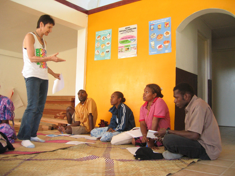 Jo Dorras from Family Planning International running a teacher workshop in Port Vila on issues in 'No Questions' Wan Smol Bag Theatre DVD which encourages people to think about sensitive issues. Credit: New Zealand Ministry of Foreign Affairs and Trade