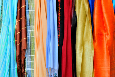 Scarves in Dubrovnik~4291-1.
