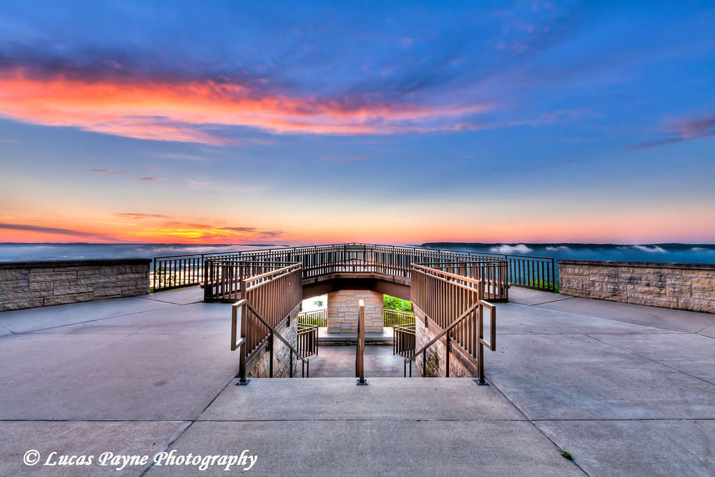 Viewing platform overlooking the Mississippi River at Pikes Peak State Park in Northeast Iowa.<br /> July 05, 2011<br /> HDR