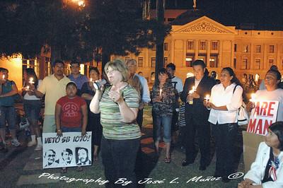 2010-04-19-545   SB1070 Protests--Evening Candlelight Vigil