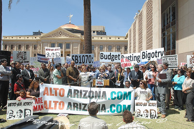 2010-04-20-218   SB1070 Protests Urging Veto By Gov. Brewer