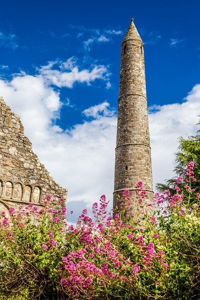 REPUBLIC OF IRELAND-ARDMORE-ARDMORE ROUND TOWER AND CATHEDRAL