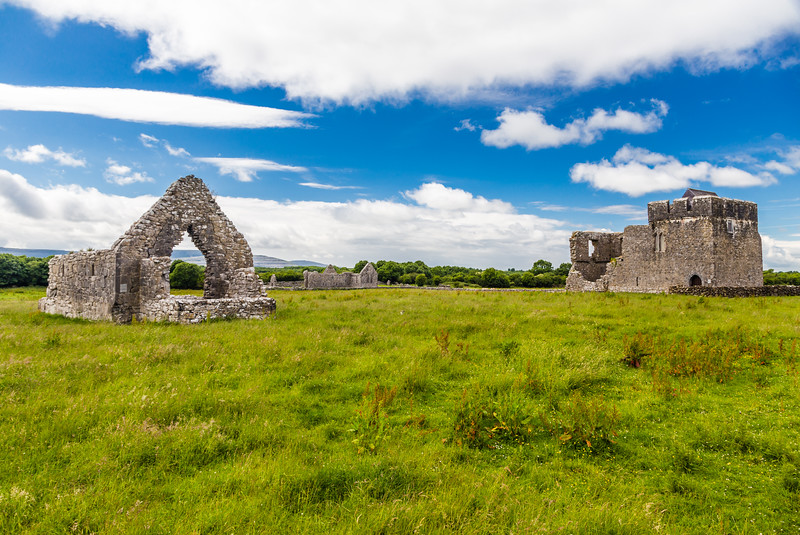 REPUBLIC OF IRELAND-COUNTY GALWAY-Kilmacduagh Abbey