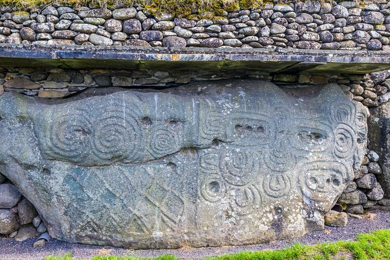 REPUBLIC OF IRELAND-KELLS-Brú na Bóinne-NEWGRANGE