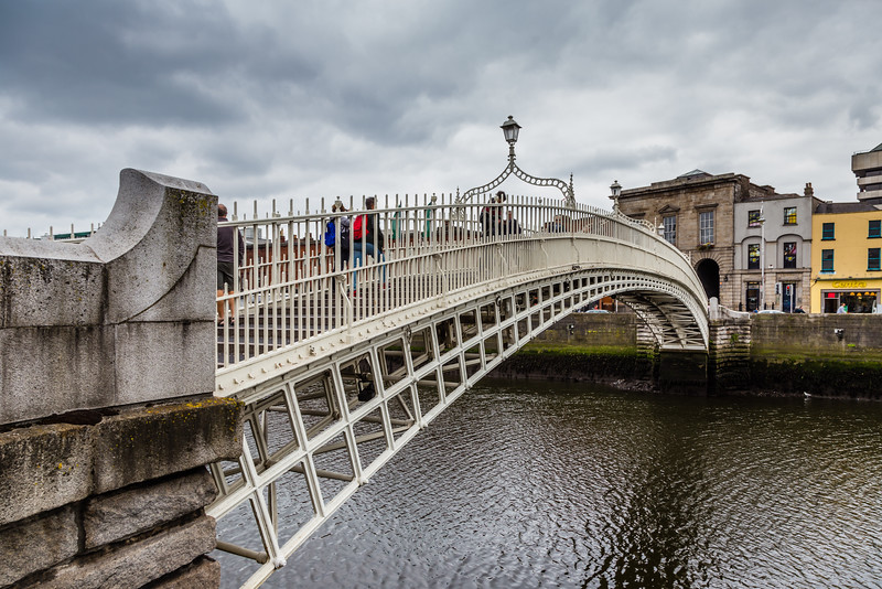 REPUBLIC OF IRELAND-DUBLIN-Ha'penny Bridge