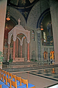 The High Altar in the Basilica of the National Shrine of the Immaculate Conception.